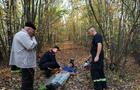 На Свалявщині рятувальник випадково знайшов у лісі непритомного чоловіка і врятував йому життя