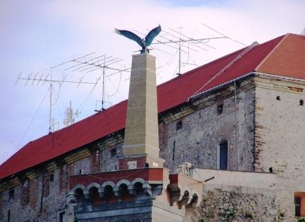 Заміна Турула на Тризуб у Мукачівському замку може ще більше посварити Україну та Угорщину