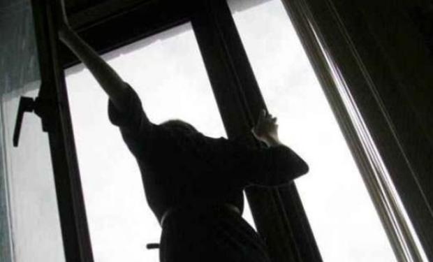 У Львові п'яна студентка із Закарпаття випала з вікна сьомого поверху