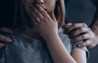 Поліція Мукачівщини перевіряє, чи педагог розбещував неповнолітніх дівчат (ВІДЕО)