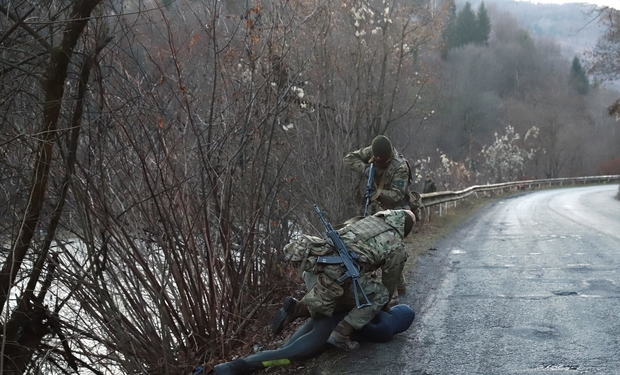 На Рахівщині прикордонники піймали водолазів, які хотіли переправити через Тису до Румунії 6000 пачок сигарет