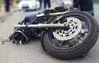 На Берегівщині під час обгону перекинувся мотоцикл. Водій госпіталізований з травмою голови