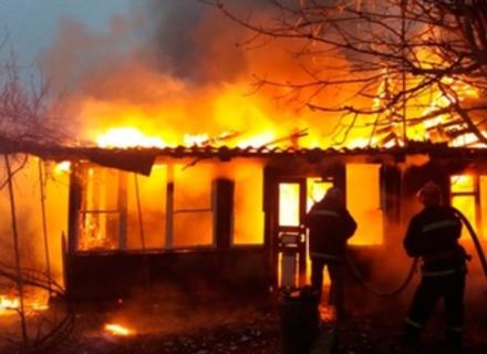 На Перечинщині згорів будинок: власник отримав важкі опіки