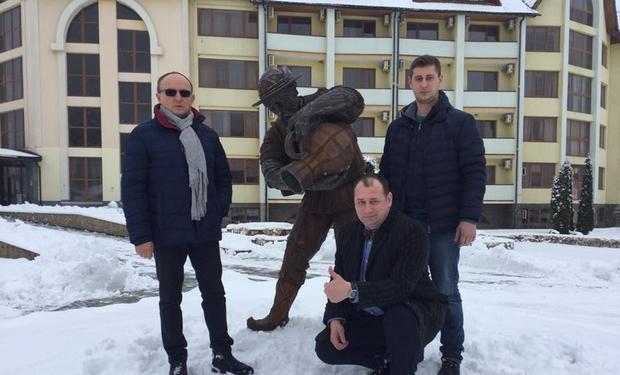 На Свалявщині відкрили пам'ятник Водолію мінеральної води