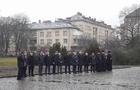 В Ужгороді під дощем скромно вшанували Шевченка