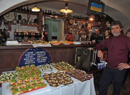В Ужгороді відзначили 30-річчя культового кафе (ФОТО)