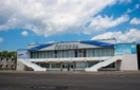 Співробітники Ужгородського аеропорту оголосили страйк. На територію аеропорту нікого не пускають (ВІДЕО)