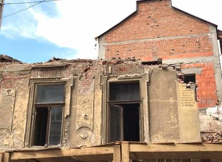 Прокуратура відкрила кримінальне провадження за фактом знесення історичної будівлі в центрі Ужгорода