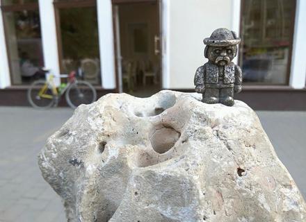 В Ужгороді відкрили ще дві міні-скульптурки (ФОТО)