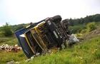 У вантажівки, яка на Закарпатті звалилася в прірву, відмовили гальма (ФОТО)