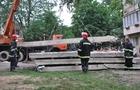 У Мукачеві бетонні плити завалилися на людей
