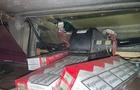 Закарпатські прикордонники виявили в рейсовому автобусі, який їхав з Луцька до Італії, сховки з сигаретами