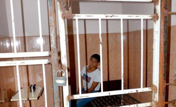 На Закарпатті дівчину тримали в клітці, бо вона була лесбіянкою