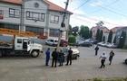 Як у Мукачеві Фольксваген вдарився в електроопору (ВІДЕО)