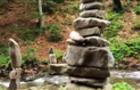 Біля водоспаду Шипот з'явилося кам'яне місто з химерами