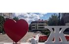 Вандалізм: Фотозона перед мерією Ужгорода знову пошкоджена
