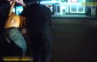 Патрульні оприлюднили відео затримання грабіжника в Ужгороді