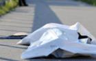 У Мукачеві на території школи знайдено мертву жінку зі слідами побоїв