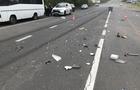 На околиці Ужгорода вантажівка розтрощила легковик. Найбільше постраждала маленька дівчинка (ФОТО)