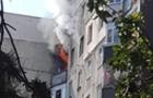 В Ужгороді горить квартира в багатоповерхівці. Людей евакуйовують