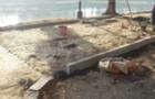 Влада Ужгорода обманула громадських активістів і почала міняти на набережній добротні кам'яні бордюри на тонкі плитки (ФОТО)