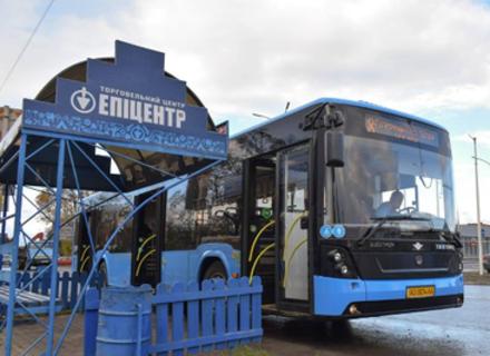 В Ужгороді відновлюють рух маршрутних автобусів. Для пенсіонерів проїзд буде платним