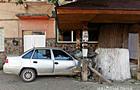 П'яний молодик на автівці врізався в природну родзинку Міжгір'я - 500-річний дуб