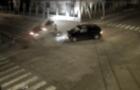 Камери відеоспостереження зафіксували аварію легковика та мікроавтобуса у Виноградові (ВІДЕО)