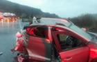 На Воловеччині легковик зіштовхнувся з вантажівкою. Водій легковика загинув