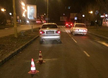 В Ужгороді злодій втікав з краденими речами і потрапив під колеса автомобіля