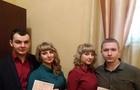 В Ужгороді сестри-близьнючки вийшли заміж в один день
