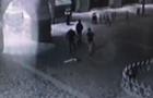 Впіймали трьох молодиків, які зняли прапор України з мерії Мукачева
