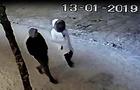 Поліція розшукує хлопця та дівчину, які розбили двері Міжгірської сільради