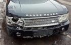 """Поліція знайшла вандала, який в Хусті на автомобілі """"Range Rover"""" понищив дерева сакур"""
