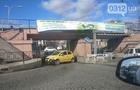 В Ужгороді на Анкудінова під залізничним мостом автівка вдарилась у відбійник і заблокувала рух