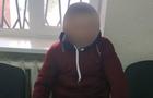 В Ужгороді ексгібіціоніст розбив вікна на дверях під'їзду та демонстрував свої статеві органи