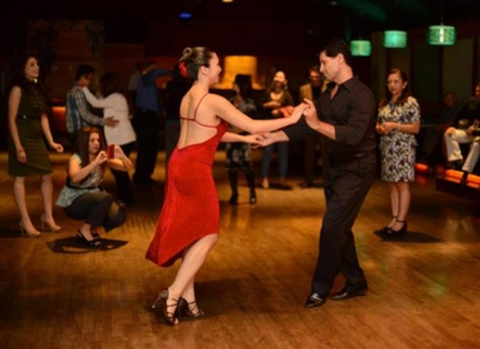 Де в Ужгороді можна навчитися танцювати і як танці впливають на здоров'я