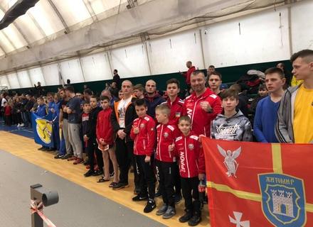 Закарпатські кікбоксери завоювали в Одесі на чемпіонаті України та турнірі Кімерія 20 медалей