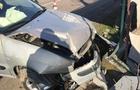 У Мукачеві автомобіль, у якому було двоє дітей, зніс паркан (ФОТО)