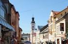 Брудний супермаркет, переляканий таксист та хороший пологовий будинок - інспектор перевірив Ужгород (ВІДЕО)