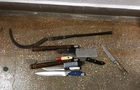 Спецоперація силовиків у циганському таборі на Берегівщині: вилучено зброю та ігрову техніку