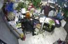В Ужгороді шахраї збувають в магазинах фальшиві долари