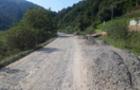На Закарпатті відновлюють дорогу, що є частиною «Малого карпатського кола»