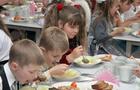 Влада Ужгорода подвоїть кошти на харчування в школах міста