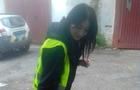 На Закарпатті дівчина-поліцейська виписала порушнику штраф. А той подарував їй квіти