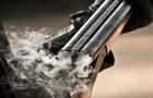 На Закарпатті поліція 15 годин вела перемовини з чоловіком, який стріляв у електриків з рушниці
