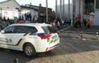 У Мукачеві з найбільшого торгового центру евакуювали продавців та відвідувачів