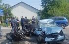На Хустщині автомобіль вчинив навмисний наїзд на мотоцикл. Загинула ужгородка