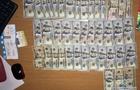Три юні закарпатки вкрали в іноземки 3 тисячі доларів на вокзалі в Києві