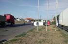 У Мукачеві сталася аварія за участі трьох автомобілів. Один з них перекинувся
